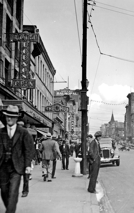 pasttensevancouver:  East Hastings, 1932 Source: City of Vancouver Archives #20-51 (cropped)