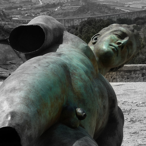 Ikaro caduto (fallen icarus). Bronze sculpture from Igor Mitoraj in the valley of the temples in Agrigento in Sicily. Photo May 2012 © Werner Schauer