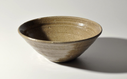 """ Early Korean celadon bowl from the transitional period of between Goryeo (Koryo) to Joseon (Choson) Dynasty, circa 15th century or a little earlier. ~"" <More Description> 7-Day Auction »> Available from HEREhotoke antiqueshttp://hotoke-antiques.com"