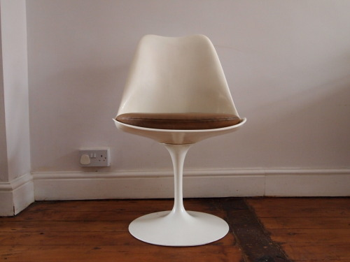 Designer: Eero Saarinen Maker: Knoll Model: 151 Tulip Chair Design Year: 1955 Origin: USA Price: POA