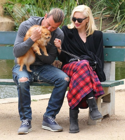 Gwen Stefani & family enjoy a day at the park, 30th March 2013.