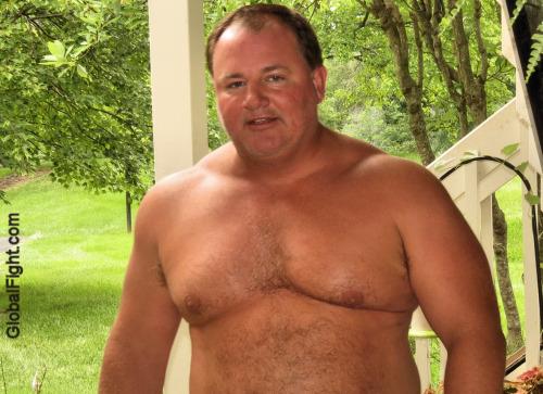 wrestlerswrestlingphotos:musclebear seeking gay friends
