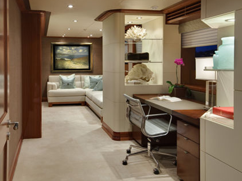 Well integrated workspace in the stateroom of a Yacht. And of course one of my favorites, a nice Eames Aluminum Group Management Chair. Image: JQB Design