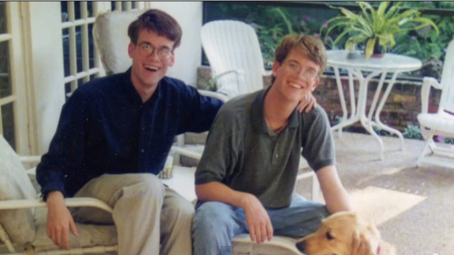 dolce-they-say:  John and Hank Green in the 90s yo