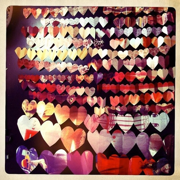 #Valentine #diy #heart #garland from my website: http://rachaelrice.com/2012/02/valentine-heart-garland using @freepeople catalogs