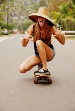 wishingonthesestars:  I wish I could skateboard/: My boyfriend needs to teach me! :)