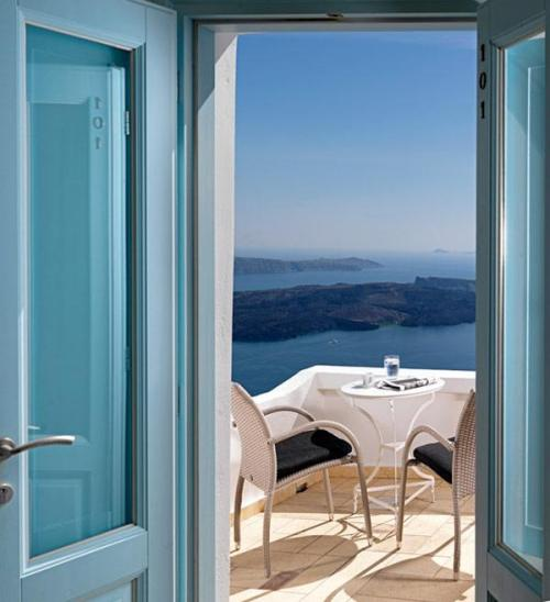 evocativemood:  Tholos Luxury Hotel Resort, Santorini