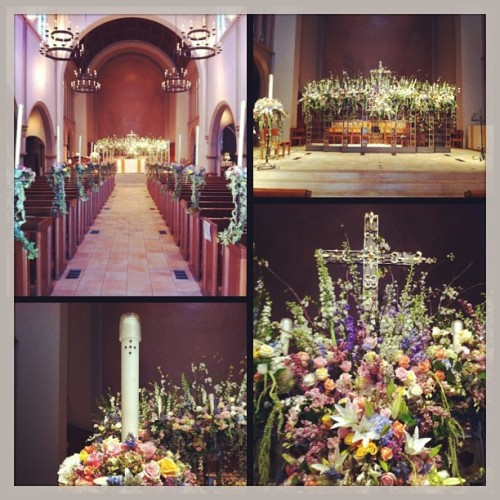 Easter decor all one now on to the 2nd setup. #eastersunday #floristatwork (at All Saints' Episcopal Church)
