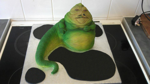 You don't see many Jabba the Hutt cakes. This is impressive! Such great detail. He's a great character to play around with in terms of cakes because of his big belly - more Jabba cakes!