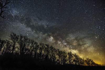 Milky way from Mt. Utsayantha, Stamford, N.Y. by Jsdeitch on Flickr.