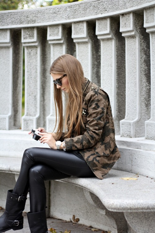 the-streetstyle:  DKNY …via fashionandstylev  搭配