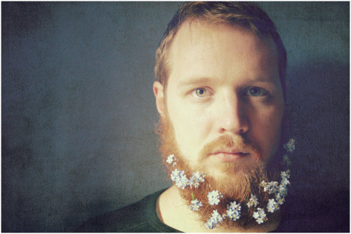forest-face-princess:  Oh man I would so love to to put flowers in a beard and take some photos of that! Definitely one of my life goals. I'm so humble (◡‿◡✿)