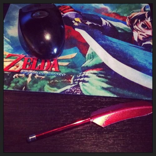 Free iPhone stylus and $1 Zelda mouse pad. Yesplzthx.