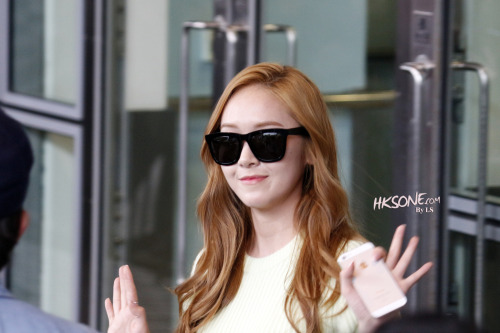 allabtmii:  130512 Jessica @ Incheon / HK Airport http://y-s-l.tistory.com/72 follow @allabtmii for more Yoona&Jessica compilation