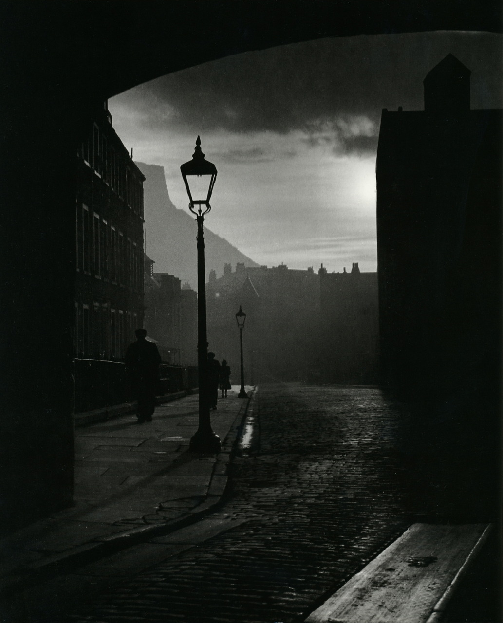 A street in Edinburgh, Bill Brandt