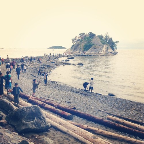 Nature walk with @thomasalbr #whytecliffpark #vancouver  (at Whytecliff Park)