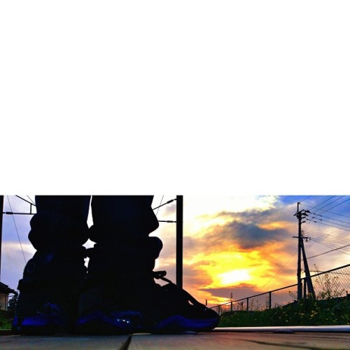 #sunset #sky #cloud #Station #sneaker #kicks