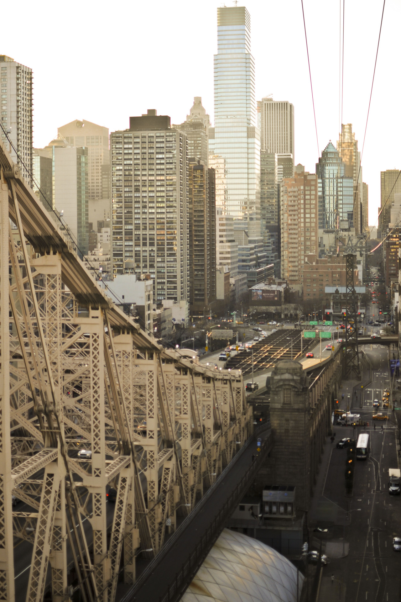 rayfrances:  Roosevelt Island Cable Car, NY, 2013