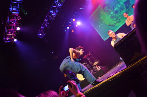 littlekiss-now-im-on-the-run:  Allstar Weekend - House of Blues, Boston - 02/20/13 - 9