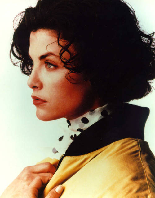 sevanneheaven:  Sherilyn Fenn  Now you understand my Twin Peaks obsession?