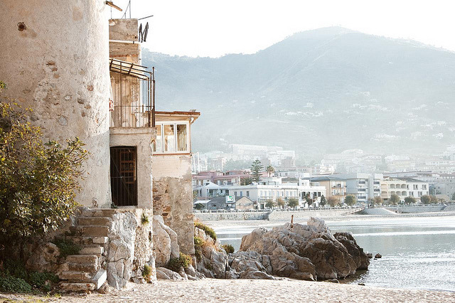 noceuse:  Cefalú, Sicily by hello it's joe on Flickr.