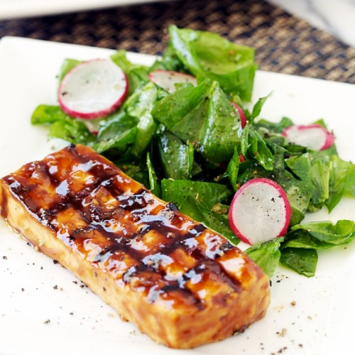 veganrecipecollection:  (via Tamarind Glazed Grilled Tofu Recipe | Apron Strings)
