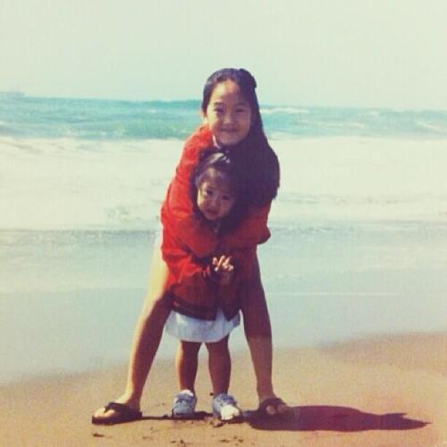 fuckyeahsoshi-sone:   kjungxox late national siblings day-love u jess<3