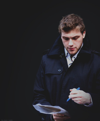 Hockey players that are ridiculously gorgeous → Bobby Ryan