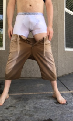 soggypants2:Naughty peeing in my stained white briefs and khaki