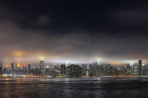 matusbence:  Manhattan touching the sky, Manhattan skyline shot from Williamsburg waterfront, March 2013. Photo (c) Matúš Bence