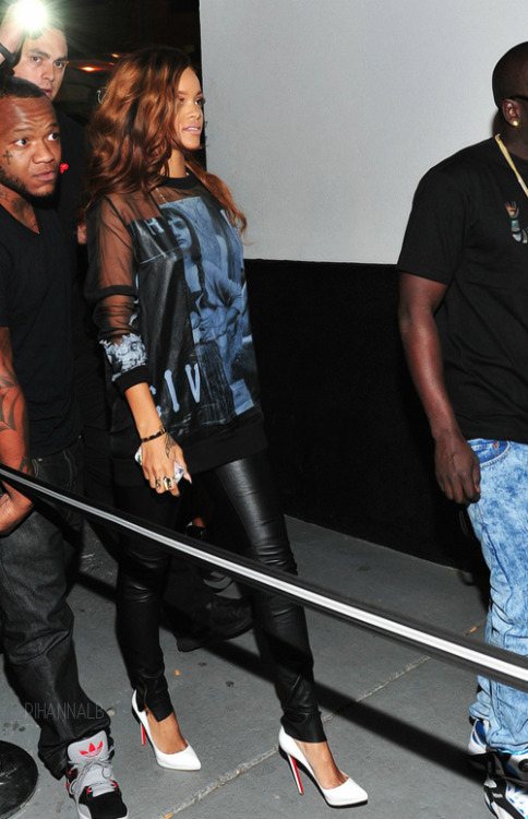 rihannalb:  Last night at a strip club in Atlanta.
