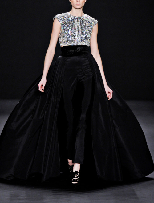 fuckyeahalternativefashion:  Naeem Khan Fall-Winter 2013