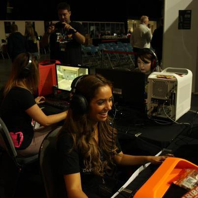 Lady gamer Lan. [via]
