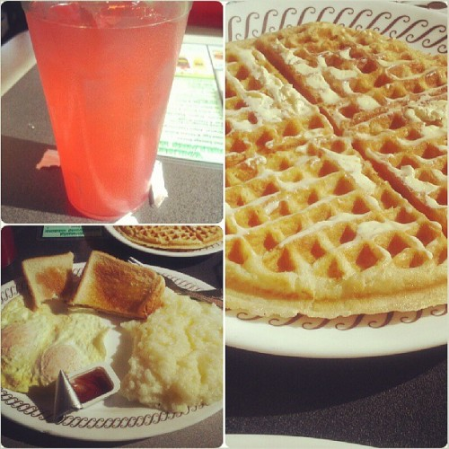 #WaffleHouse breakfast!!!! Lol (at Waffle House)
