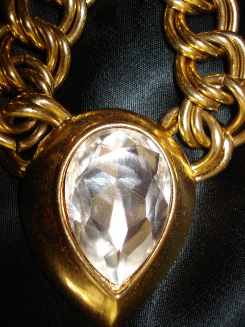 HUGE COUTURE GOLD AND CRYSTAL SET NECKLACE BY NAPIER www.bijouxdecoratifvintage.com
