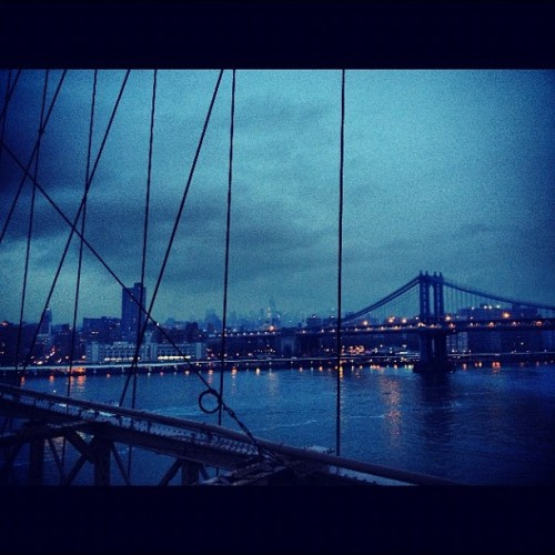 tonyj-nightowl:  The cold night is on its way.  Foggy and cold in NYC again tonight, this is a beautiful shot by another Tumblr-er.