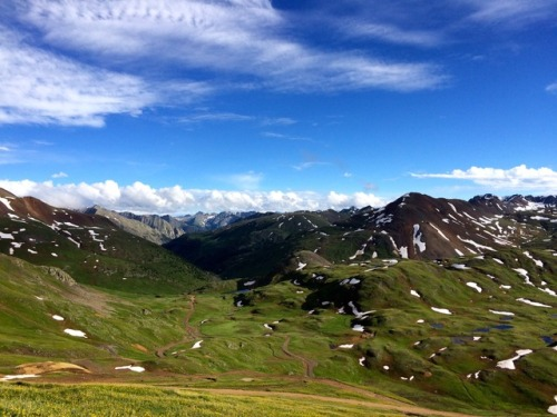 Very near to paradise… climbing from Grouse Gulch to Engineer Pass during the 2015 Hardrock 100.Photo: Bryon Powell