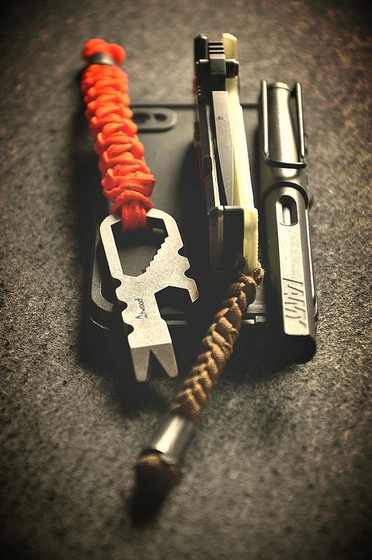 Minimalistic EDC (Everyday Carry) Submitted By: kye4some Atwood tool w lanyard DpX HEST 2.0 (Amazon) w Kriptoglow scale and laynand Lamy Safari fountain pen - Purchase on Amazon iPhone 4s - Purchase on Amazon