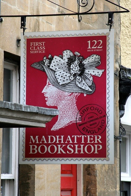 amandaonwriting:  Madhatter Bookshop, Burford, Oxfordshire, UK