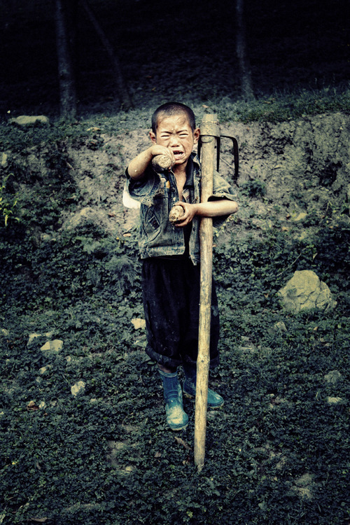 theartofchina:  © Xiao Peng | 霄鹏 A distraught fella. @ Liangshan (凉山), Sichuan