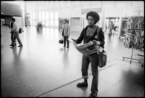 rohanedmonson:  Bob Marley reading a newspaper