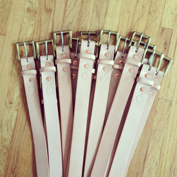 Natural lasso stitched belts are back in stock! Sizes 30-38 only available on rogueterritory.com #leathercraft #handmade #madeinusa #rogueterritory