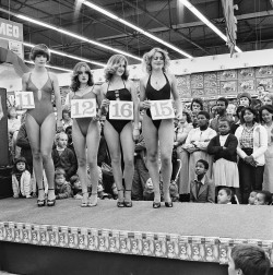 marckremers:  Apartheid era local beauty pageant