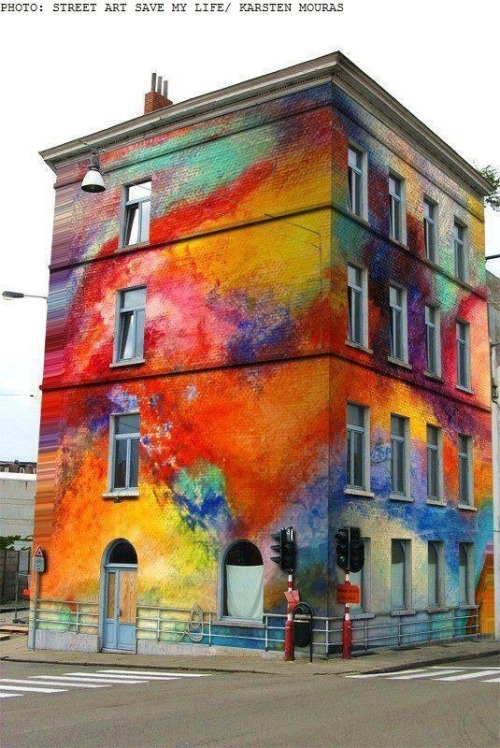 Dope street art. Please paint my block like this!
