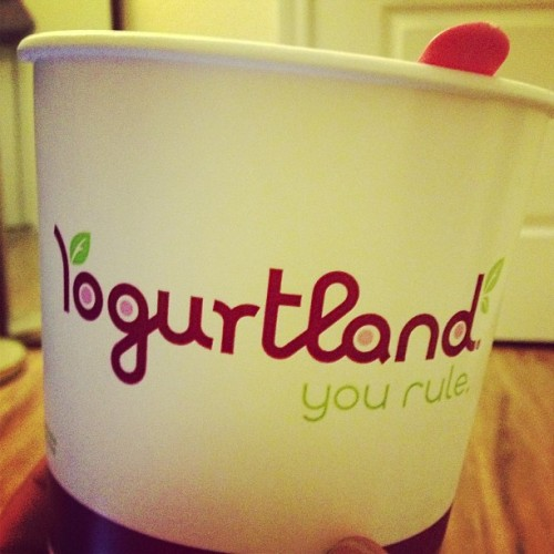 Haven't been to Yogurtland in a hot minute. Definitely a good after night class treat and for an 87% productive day. They got some bomb new flavors. #yogurtland #mmm #sogood