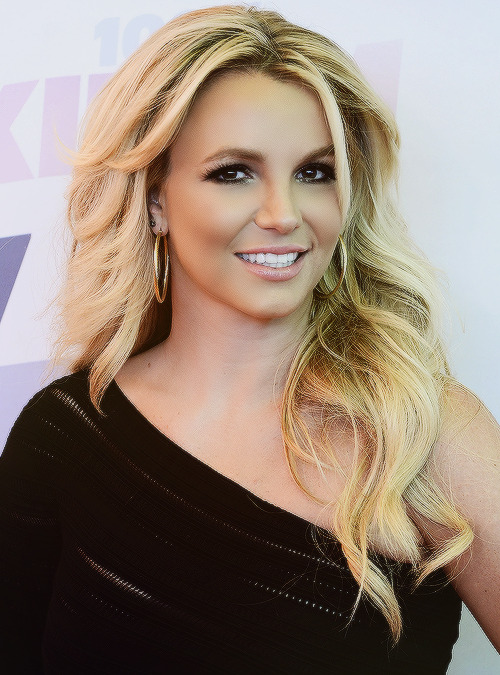 imlovingbritneyspears:  britneyspears:     THE ONE AND ONLY GORGEOUS BRITNEY SPEARS