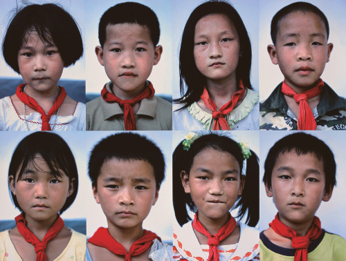 theartofchina:  Du Yingnan (杜英男), Chinese Kids (中国小孩). 24,200 CNY.  The red scarf (红领巾) is an essential element of school uniforms worn by Chinese kids beginning in grade one. The scarf is an emblem of the Young Pioneers of China (中国少年先锋队), a youth organization that falls under the Communist Party. Children are told at a young age that the red scarves are made of blood by the courageous soldiers that sacrificed their own lives for an independent China.