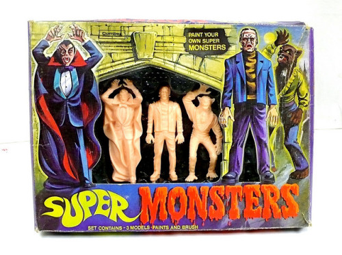 Super Monsters Set (1970s)