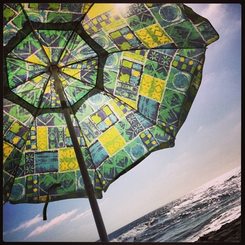Welcome back #summer I've missed you!! #beach#umbrella#sunshine#sand#salt#waves#surf#theshore