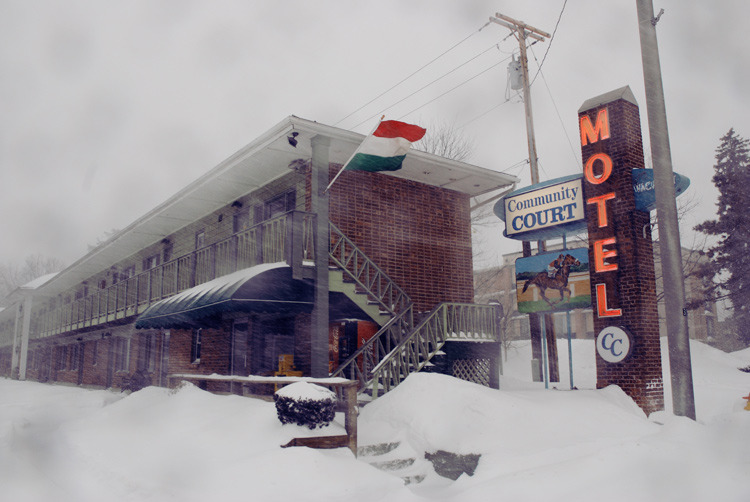 Winter Community Court Motel.